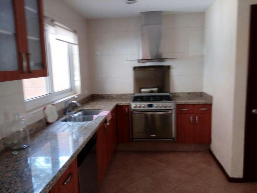 Casa en Venta, Sta Cruz Guadalupe  | Se encuentra ubicado en FORJADORES Y ZAVALETA, Puebla | Vendo y Rento