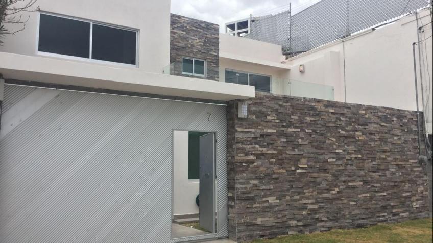 Casa en Venta, PAZ, CALLE HUEJOTZINGO  | Se encuentra ubicado en La Paz, Puebla | Vendo y Rento