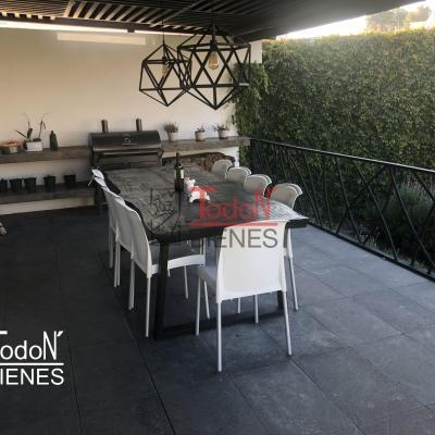 Residencia con gran jardín y terraza, 3 o 4 recámaras y roofgarden | Todo N' Bienes