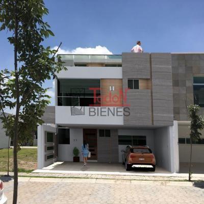 Parque Campeche, Lomas de Angelópolis Cascatta (J23)