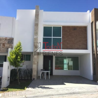 Parque Habana, Lomas de Angelópolis Cascatta (B35)