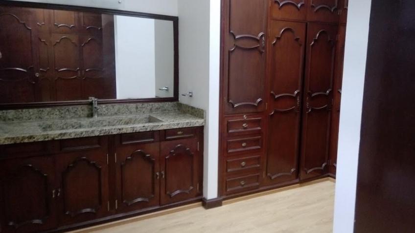Casa en Renta, PUERTA DE HIERRO + | Se encuentra ubicado en Boulevard 15 mayo , Puebla  | Vendo y Rento