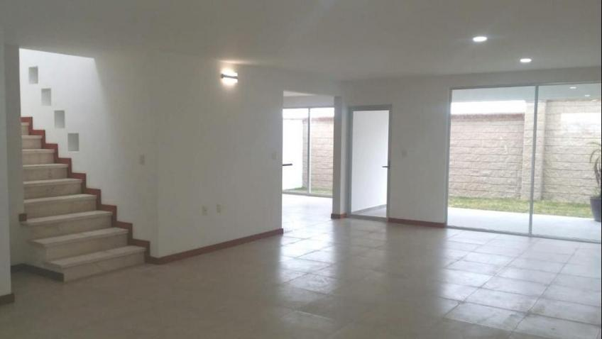 Casa en Renta, PARQUE MICHOACAN - LOMAS DE ANGELOPOLIS III CASTACATTA | Se encuentra ubicado en Lomas de Angelópolis, Puebla | Vendo y Rento